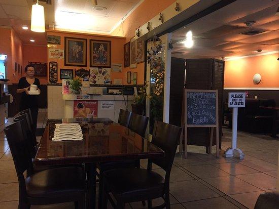 Colton, Kaliforniya: Supanbui Thai Restaurant