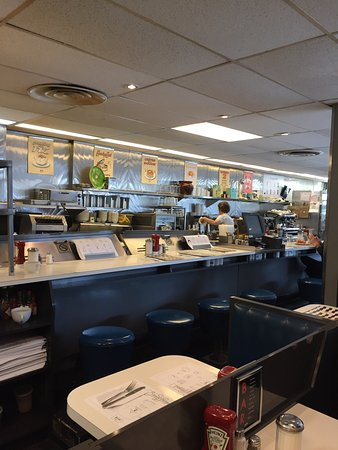 Beauty's Restaurant: photo1.jpg