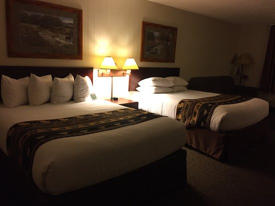 ClubHouse Inn West Yellowstone: Comfortable beds, standard room