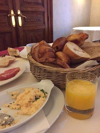 Le Chateau de Strainchamps : ontbijt is compleet