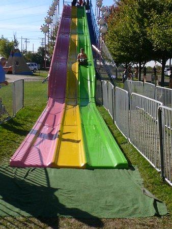 Lincolnshire, IL: burlap bag slide