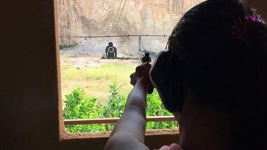 Maret, Ταϊλάνδη: Paragon Gun Range