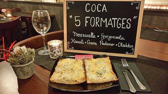 Premia de Dalt, Spanje: Coca de 5 formatges