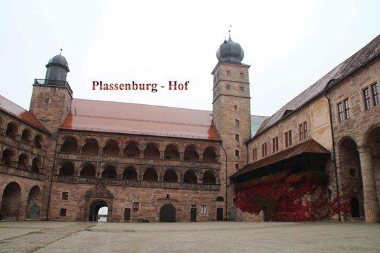 Kulmbach, Germany: Plassenburg Arkadenhof