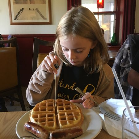 Temple, NH: Belgian waffle at Sunday Brunch