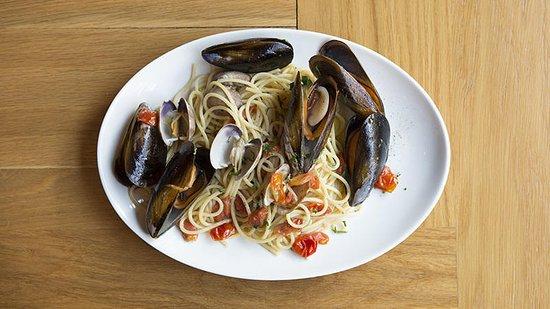 LA FABRICA RESTAURANTE: Spaghetti allo Scoglio con mejillones y almejas