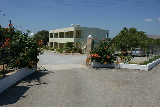 Sifis Studios & Villa Mika