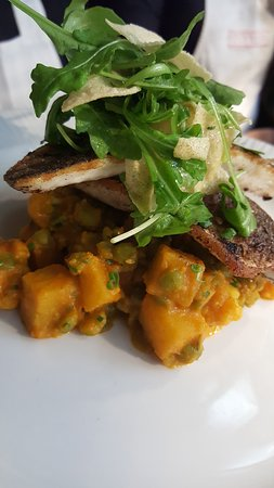Berkhamsted, UK: SPICED SEA BASS