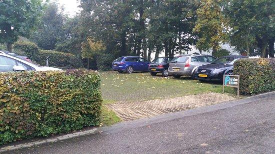 Eys, Pays-Bas : Parkeerplaats voor gasten