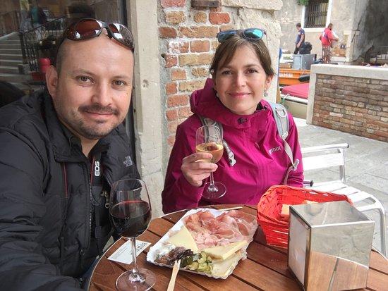 la bottiglia local street food excelentes vinos