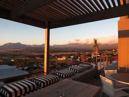 Gordon's Bay, South Africa: Abendlicher Ausblick