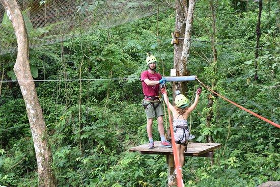 Jungle Xtrem Adventures Park: לאוהבי ההליכה על כבל בין העצים