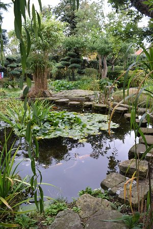 Newark-on-Trent, UK: just another small part of gardens