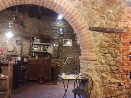 Scansano, Włochy: angolo della cantina