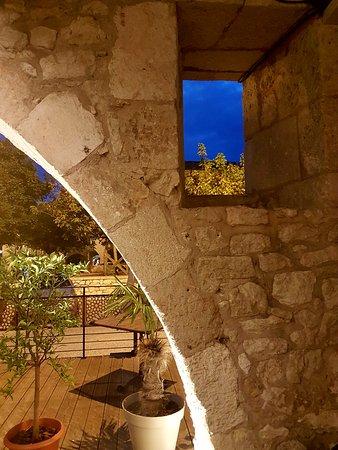 Monflanquin, Frankrike: Aldayaa - un soir d'octobre sur la terrasse...