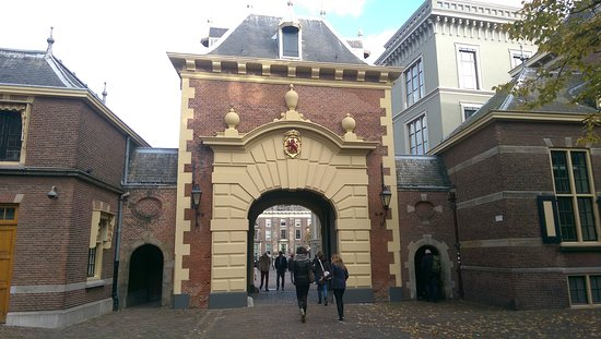 Binnenhof & Ridderzaal (Inner Court & Hall of the Knights): IMAG6174_large.jpg