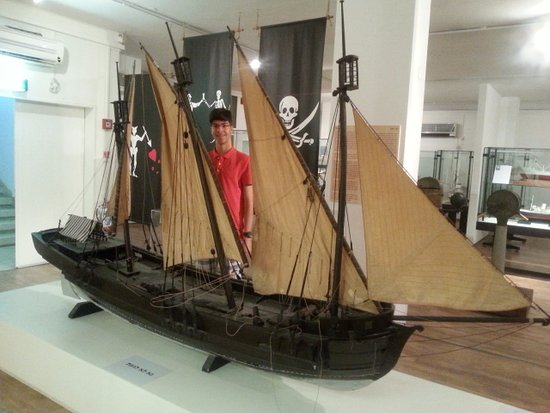 National Maritime Museum: ספינה