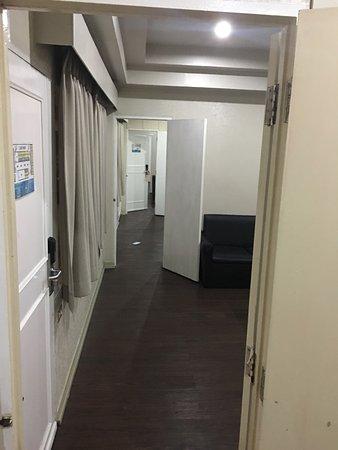 Pradipat Hotel: photo1.jpg