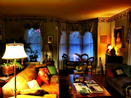 Sharpsburg, MD: Sitting Room