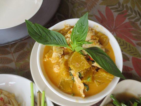 Nut's Restaurant : punkin soup