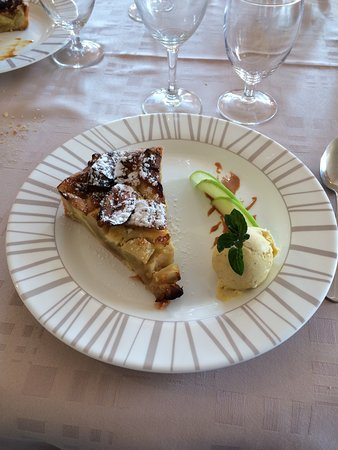 Saint-Maclou, France: dessert