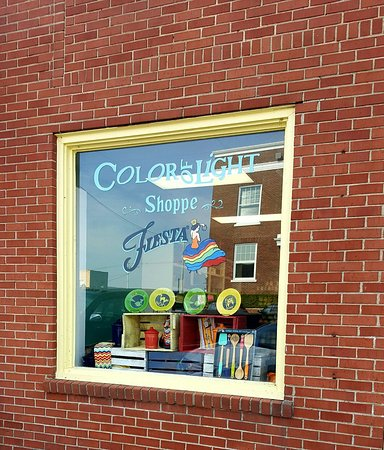 Benton, KY: Color of Light Shoppe