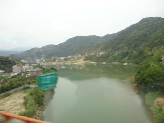 Yichang, China: On way to the Dam Site