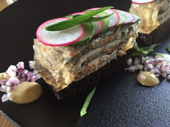 Harju County, เอสโตเนีย: Pan fried and marinated Baltic herring with black bread