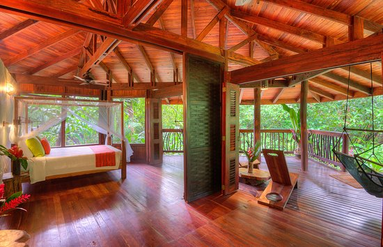 Golfito, Costa Rica: Internal view of the cabins open-air interiors.
