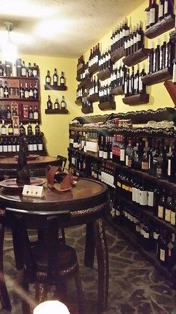 Queluz, Portugal: interieur Wine Bar Botequim da Padaria