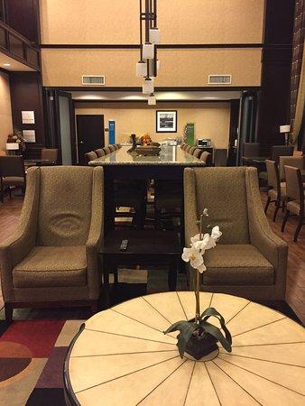 Hampton Inn & Suites Buffalo: photo0.jpg