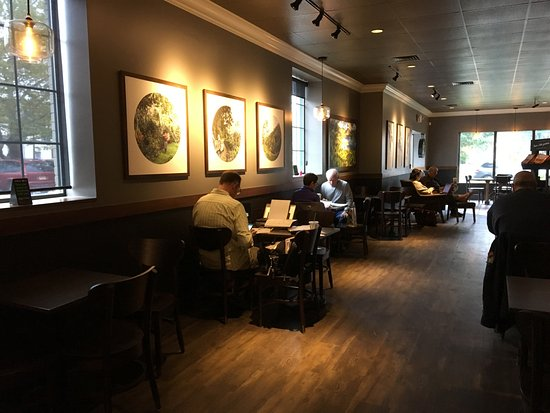 Starbucks (Penfield) - dining room