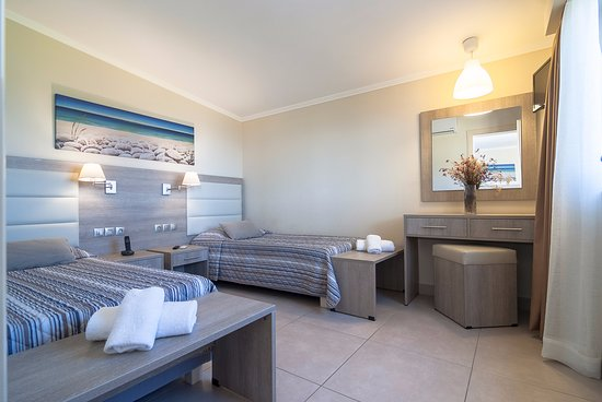 Elegant Beach Bungalow Furniture