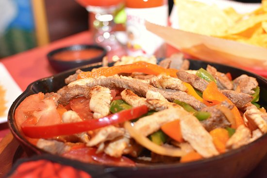 Veracruz Mexican Restaurant: Steak & Chicken Fajitas