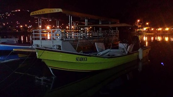 Gros Islet, Sta. Lucía: Rainbow Divers Inc.' Seaduca by night