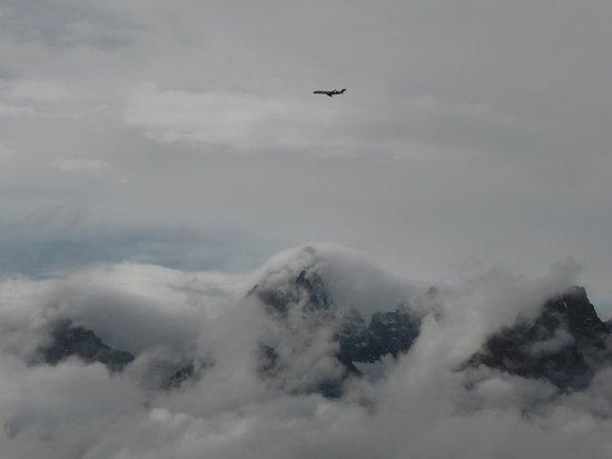 Cody, Ουαϊόμινγκ: Passage d'un avion sur les sommets de Grand Teton