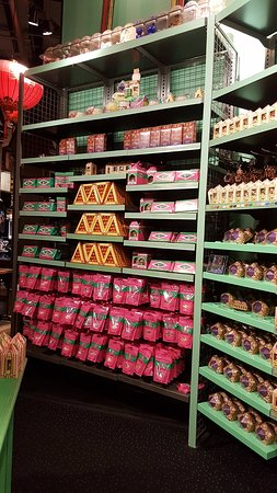 Süßigkeiten Bild Von Harry Potter Shop At Platform 9 34 London