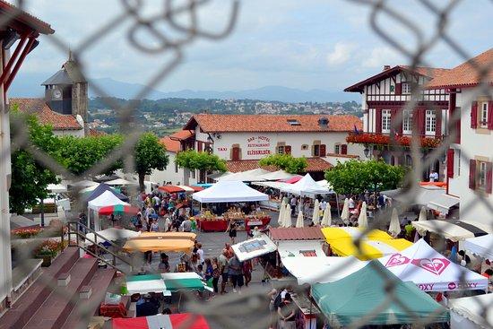 Foire bidart 39 eko photo de office de tourisme de bidart bidart tripadvisor - Bidart office de tourisme ...