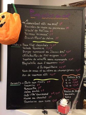 Fresnes, France : L'ardoise de la semaine du 24 octobre. Bon appétit !