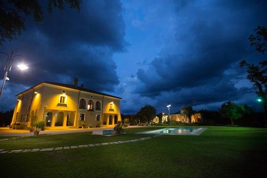Gioia Tauro, Italien: Giardino Casale Foti
