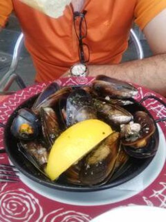 Vila Seca, İspanya: mejillones al vapor