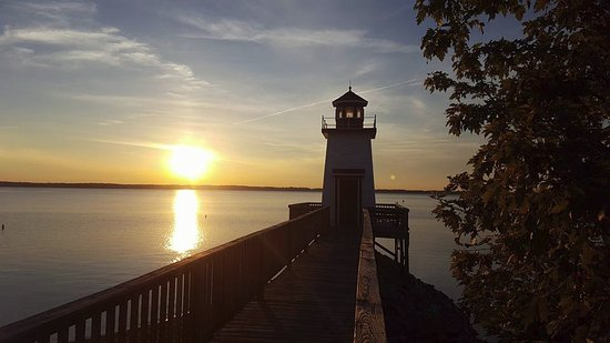 Grand Rivers, KY: sunset off deck from lighthouse