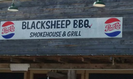 Yellville, AR: Blacksheep Joe's Smokehouse and Grill