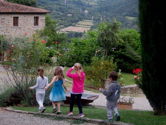 Capolona, Italia: Happy children at Il Pozzo
