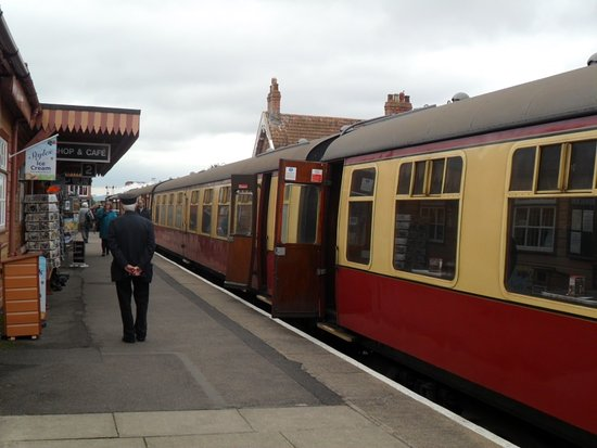 West Somerset Railway: Bishop's Lydeard- end of line