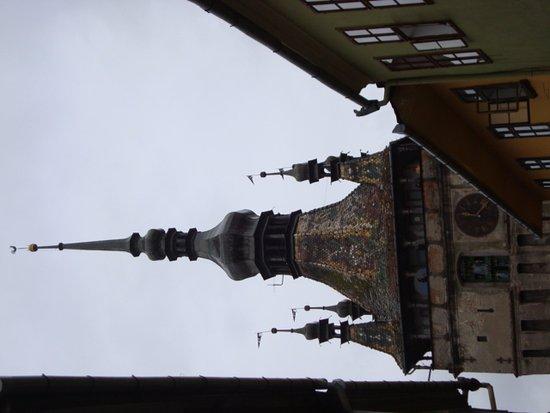 หอนาฬิกา: The famous Clock from the 14th century.