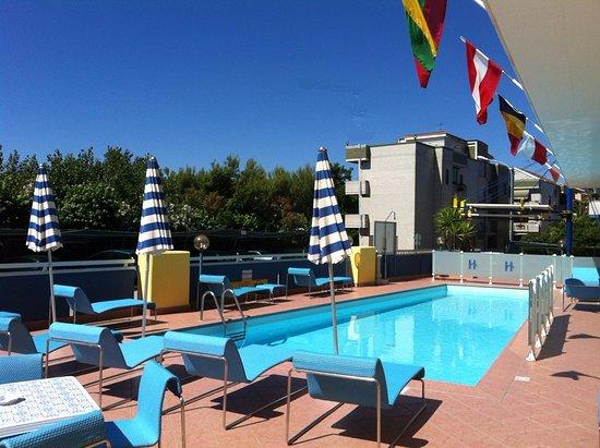 Hotel Holiday Villa Rosa Di Martinsicuro Recensioni