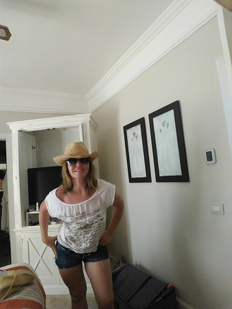 Sanctuary Cap Cana by AlSol: A great holiday with great people I just wish I could add more photos..Such lovely people at the