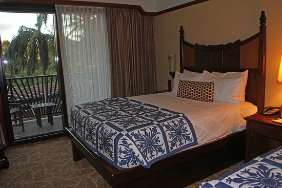 Aulani, a Disney Resort & Spa: Standard room with 2 king size beds