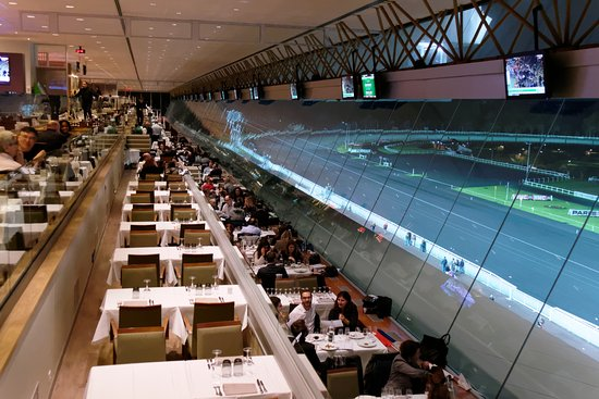 Vincennes Hippodrome de Paris : Le restaurant panoramique